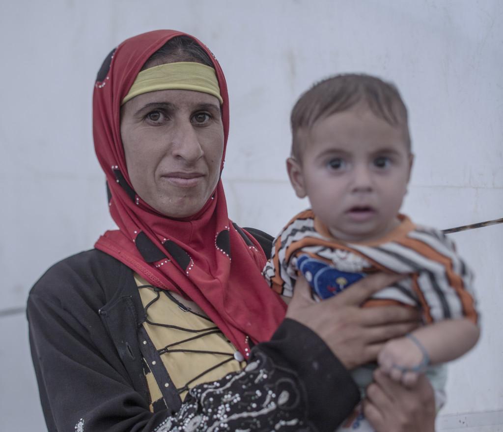 Debaga flyktingläger ligger utanför Mosul och Erbil i norra Irak. Hit kommer mest internflyktingar som flyr kriget och IS terror. Lägret är redan överfullt och snart väntar många fler flyktingar när den irakiska armen tillsammans mer kurdiska Persmerga väntas slå till mot det starka IS-fästet Mosul. Foto: Magnus Wennman